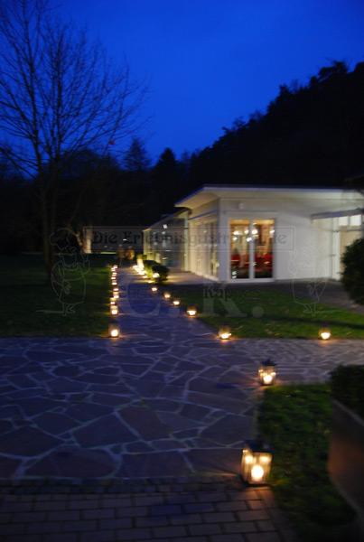 Klosterhof Seligenthal Außenbereich bei Nacht