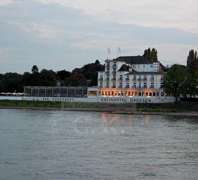 MS Moby Dick Ausblick auf das Rheinhotel Dreesen
