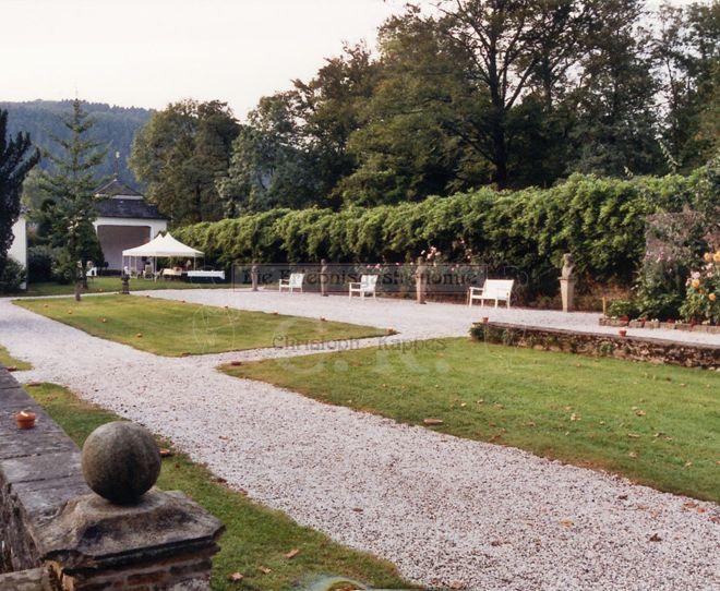 Schloss Ehreshoven weitläufiger Außenbereich