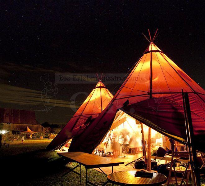 Tipi-Zelt bei Nacht