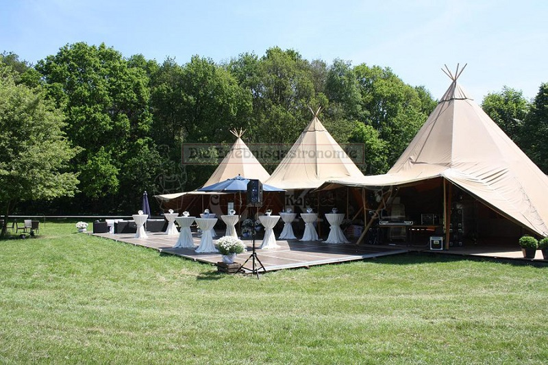 Tipi-Zelt im Garten