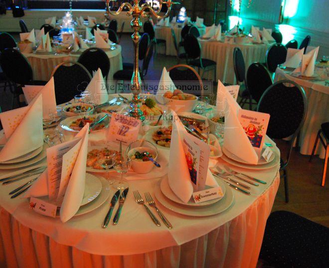 Bürgerhaus Saal zur KÜZ gedeckter Tisch