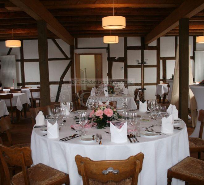 Bungertshof runder, gedeckter Tisch