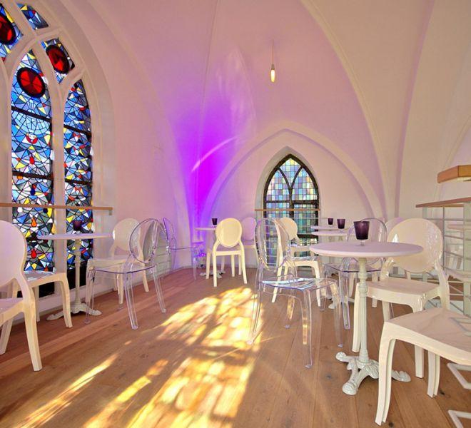 Eventkapelle Sitzgelegenheiten auf der Gallerie