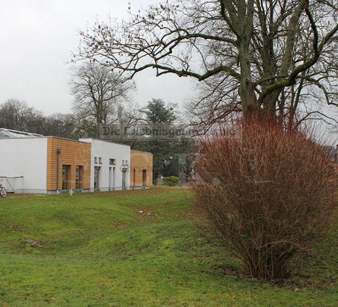 Kinderhaus Grünanlage und Gebäude
