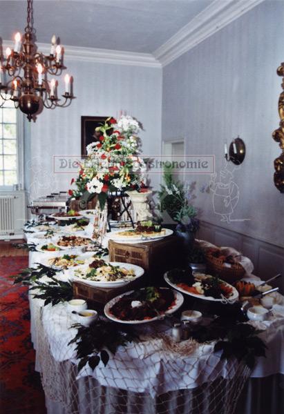 Schloss Lüftelberg Buffet